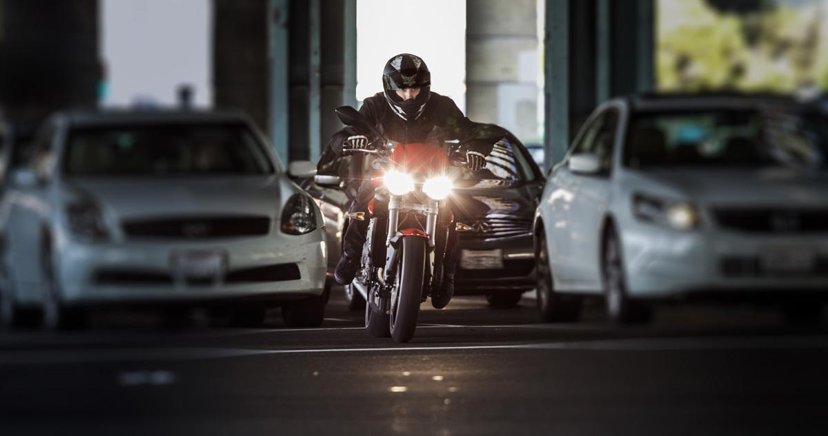 triumph triple speed commute traffic rtww